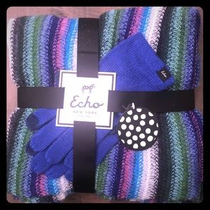 Echo Scarf & Glove Set